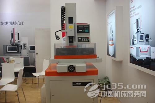 江州数控机床产品的整体结构采用慢走丝机型主体结构